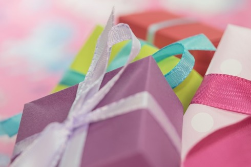 gift-553146_640